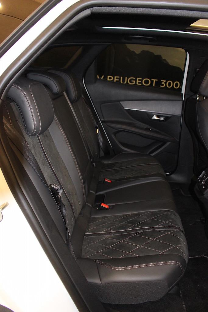 「【新型プジョー3008】VWティグアンがライバルのCセグメント派生SUVが公開」の12枚目の画像