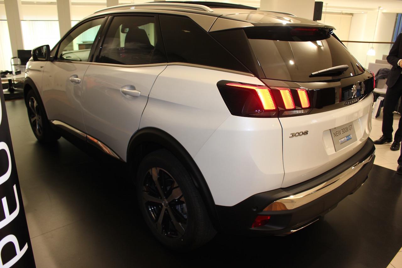 「【新型プジョー3008】VWティグアンがライバルのCセグメント派生SUVが公開」の10枚目の画像