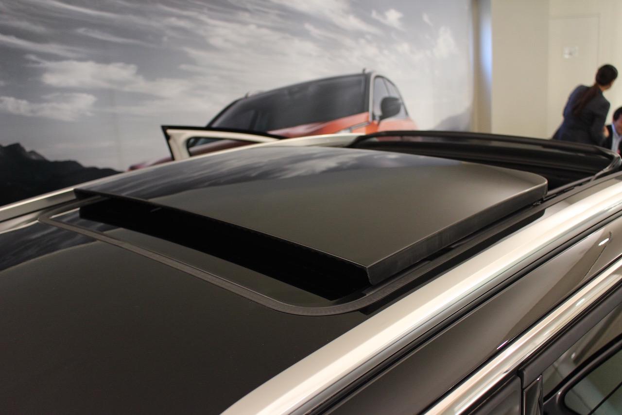 「【新型プジョー3008】VWティグアンがライバルのCセグメント派生SUVが公開」の1枚目の画像