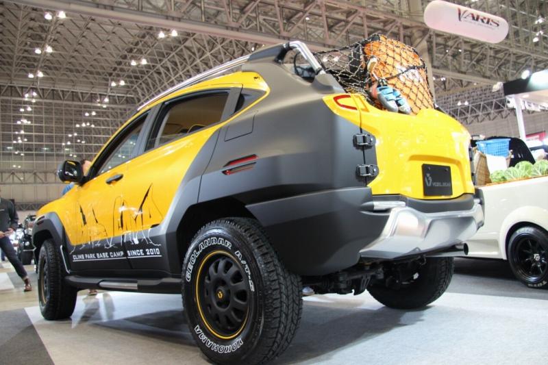 「【東京オートサロン2017】見るからに正体不明。どことなくアメリカンなSUVのベース車両はまさかの…」の10枚目の画像