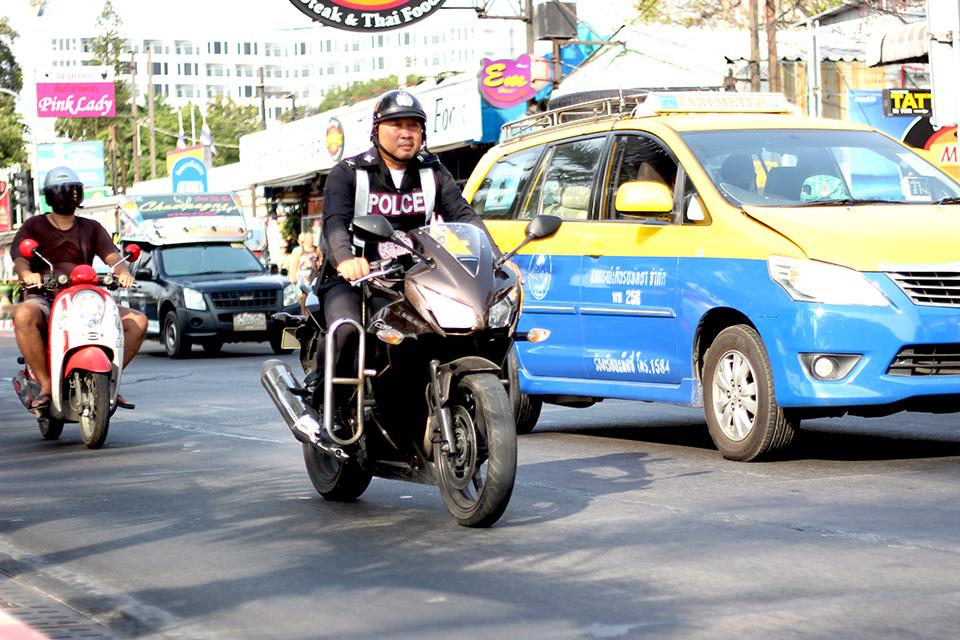 「安全意識の高そうなライダーは1割も居ない感じ。タイへ行ってバイク事情を見て体験してきた!【海外バイク旅行記 Vol.3】」の9枚目の画像