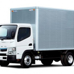 「普通免許」で運転できるクルマの種類が変わったのをご存知ですか?【クルマにまつわる免許・資格おさらい】 - Mitsubishifuso_Canter_2t_TRG-FEA50_160308a