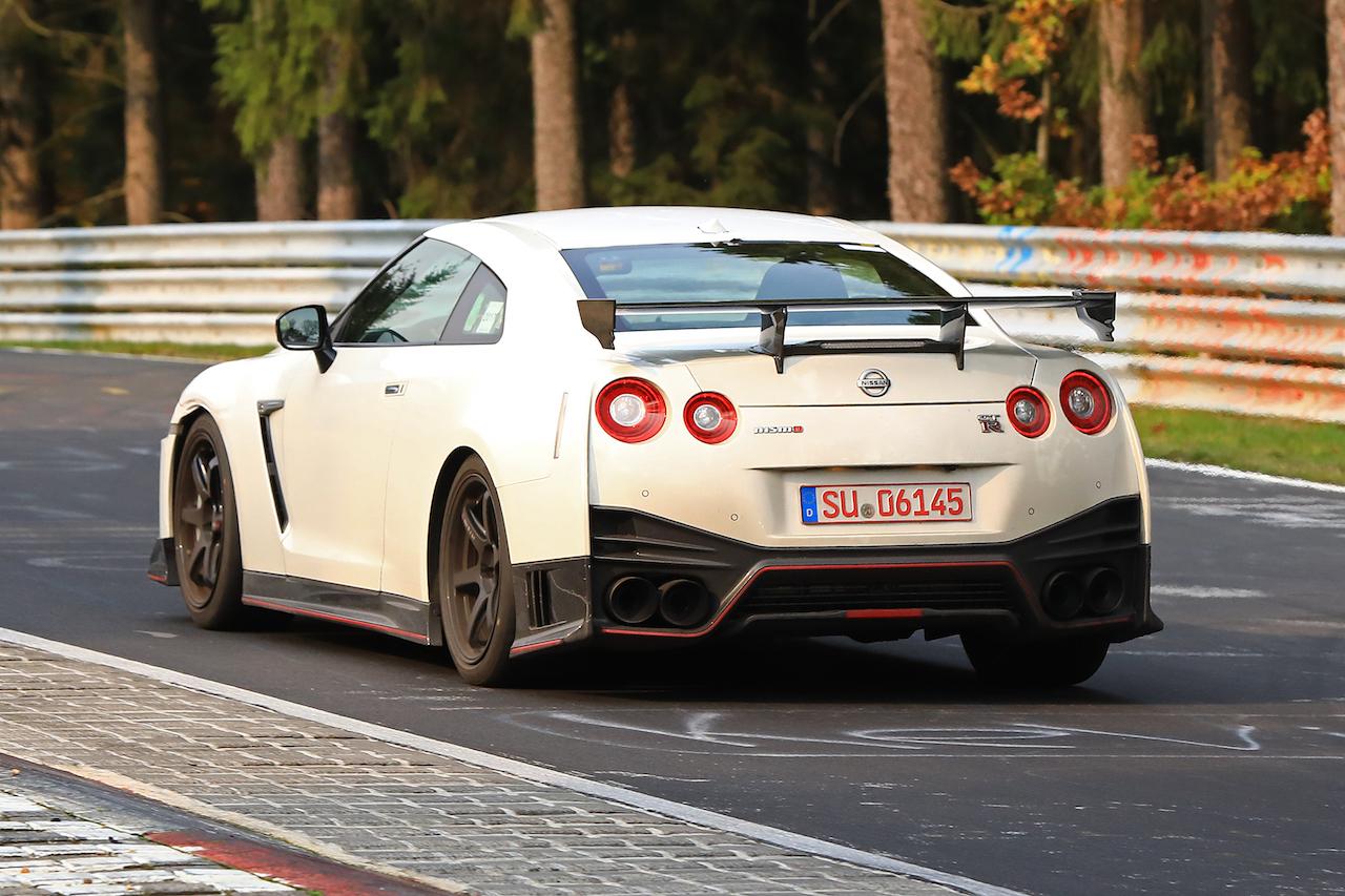 日産・GT-R NISMO改良型は2019モデルとしてニュルでテスト中。東京モータショーで公開か ...