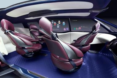 【東京モーターショー2017】トヨタが「自動運転時代のインテリア」を6人乗りfcvで提案! Clicccar