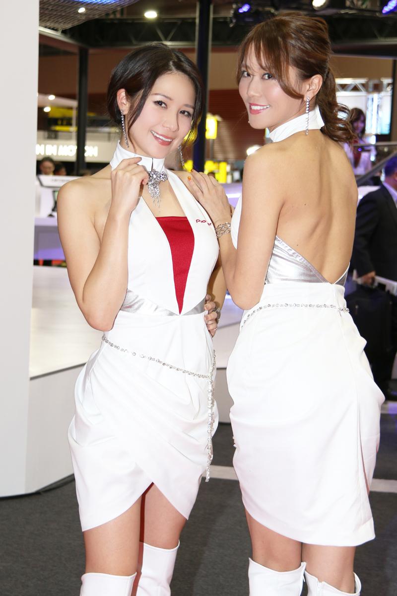 「【東京モーターショー2017】女性目線のコンパニオンファッションチェック・その1」の9枚目の画像