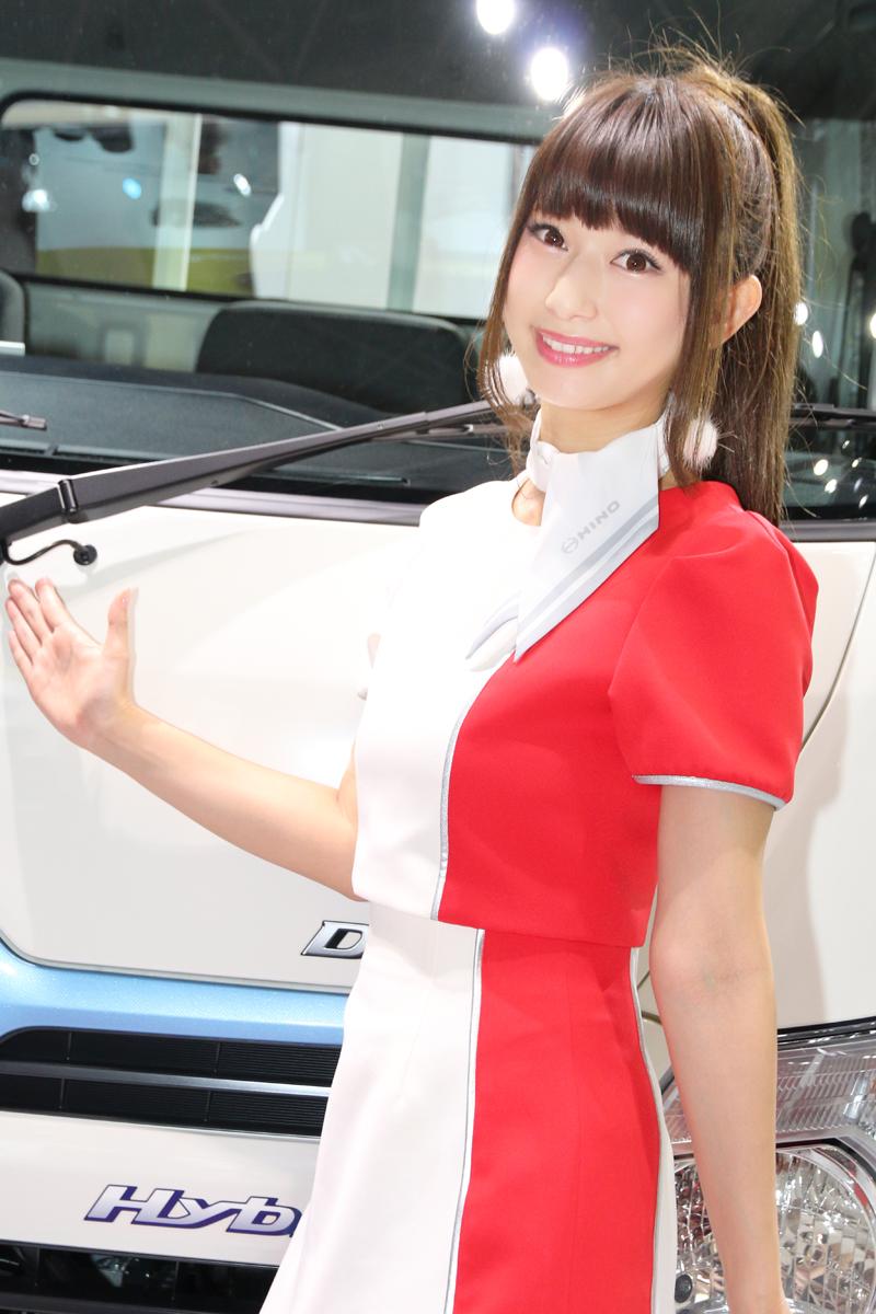 「【東京モーターショー2017】女性目線のコンパニオンファッションチェック・その1」の13枚目の画像