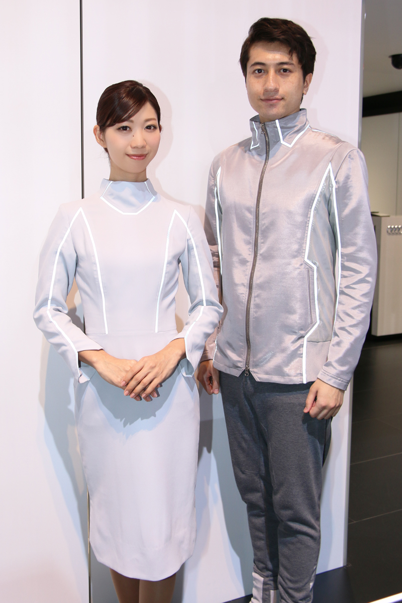 「【東京モーターショー2017】女性目線のコンパニオンファッションチェック・その1」の21枚目の画像