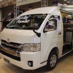 【JAPANキャンピングカーショー2018】現在の一番人気は「バンコン」。最新の人気モデル「レクビィTopsail」をチェック - IMG_4568