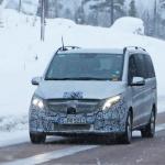 アルファード/ヴェルファイアに追いつけ!? メルセデス・ベンツ Vクラス新型に初の「MBUX」搭載? - Mercedes V-Class facelift 1