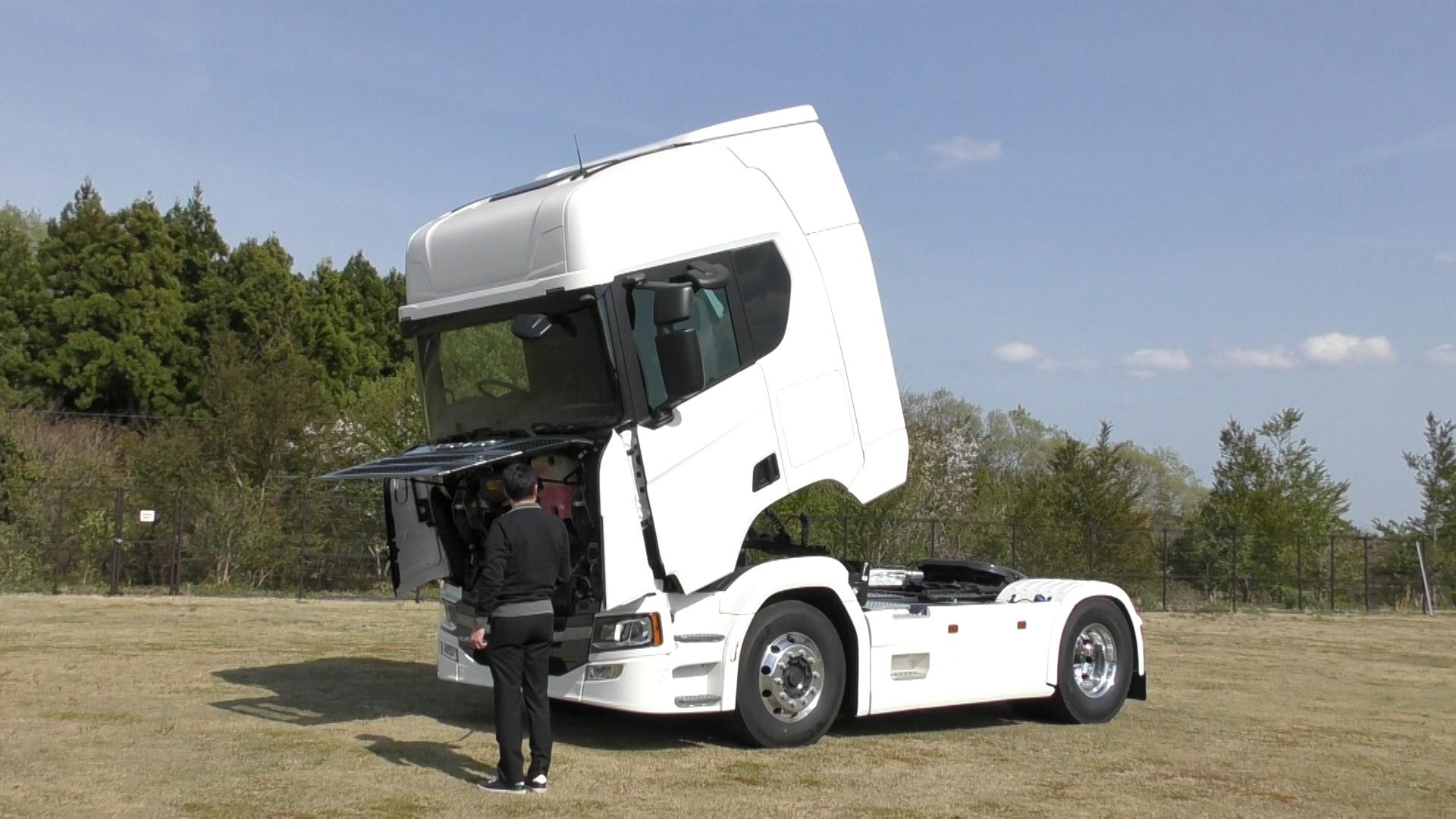 「大型トラックは運転席を丸ごと前倒しできるって知ってました?【新型スカニア・R450】」の8枚目の画像