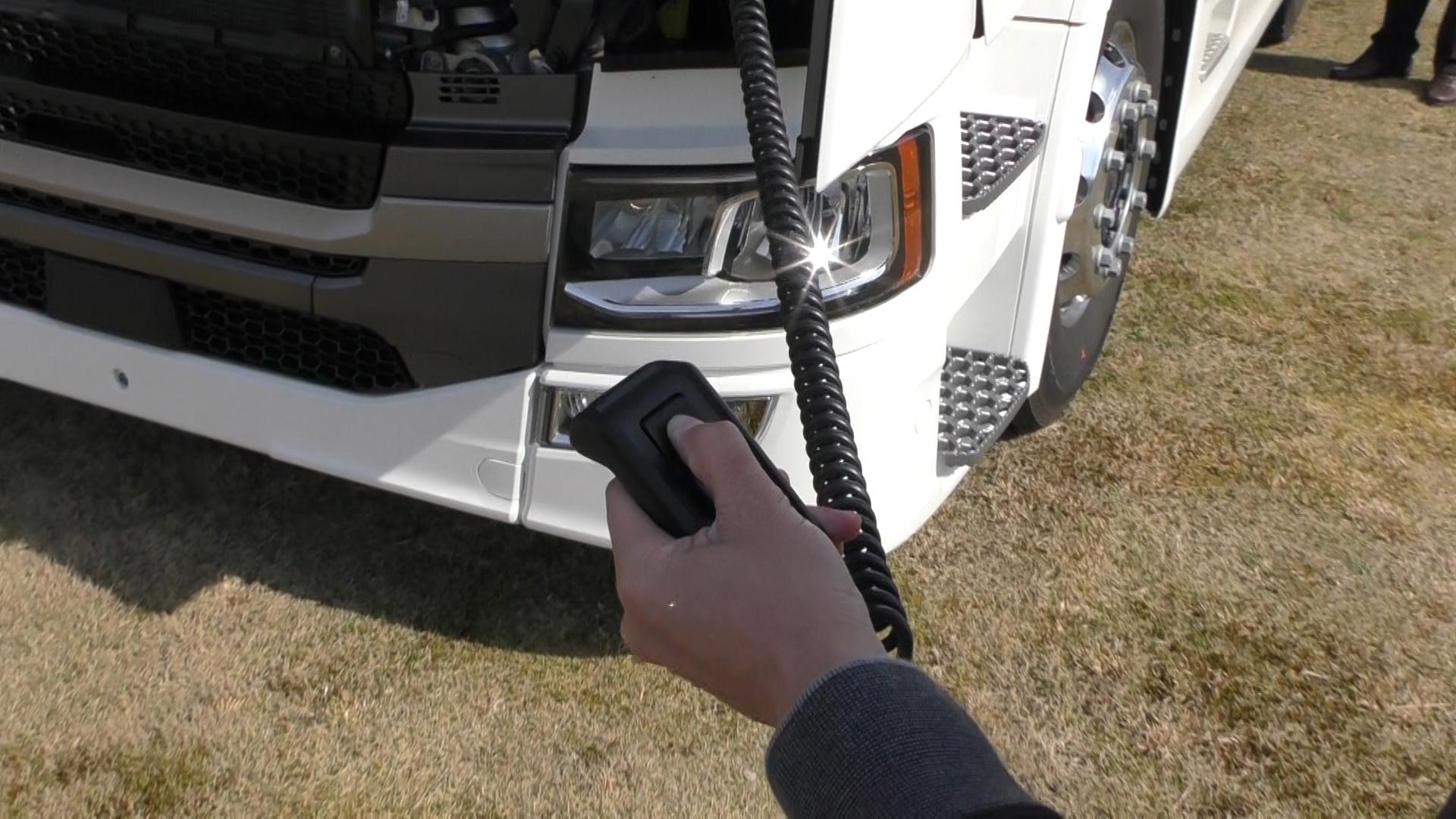 「大型トラックは運転席を丸ごと前倒しできるって知ってました?【新型スカニア・R450】」の6枚目の画像