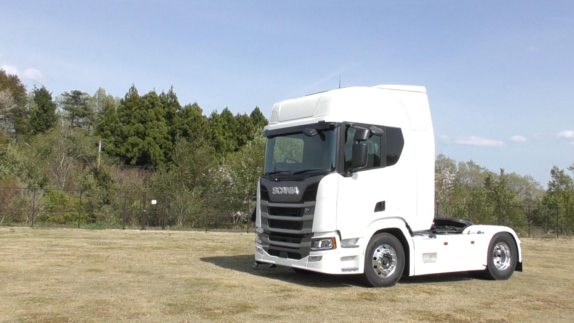 「大型トラックは運転席を丸ごと前倒しできるって知ってました?【新型スカニア・R450】」の11枚目の画像