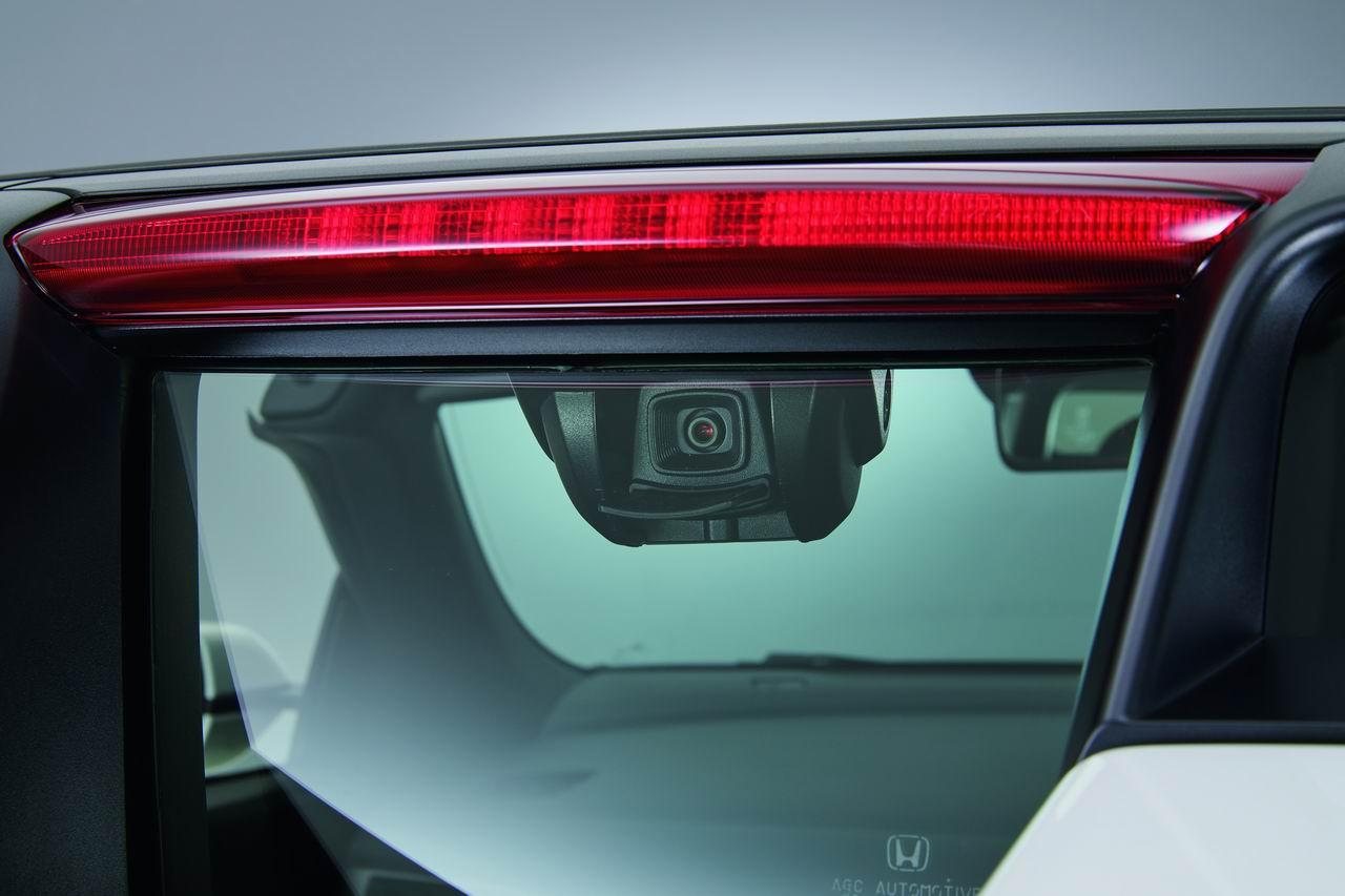 「ホンダ・S660に、7インチナビや電子ルームミラーのオプションが新設定」の4枚目の画像