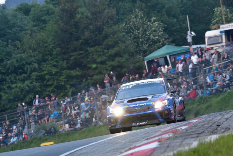 ニュルブルク リンク 24 時間 耐久 レース