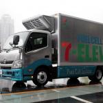 トヨタがミライの技術を使ったFCトラックを開発。セブン-イレブンとの共同プロジェクト開始 - 7-11_toyota_FCtruck9992