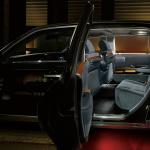 「【新車】新型トヨタ・センチュリーの快適性と「折り上げ天井様式」を採用した天井に注目」の15枚目の画像ギャラリーへのリンク