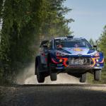SUSIモード搭載? ヤリス新エンジンを投入効果で首位発進!【WRCラリーフィンランド】 - Thierry Neuville