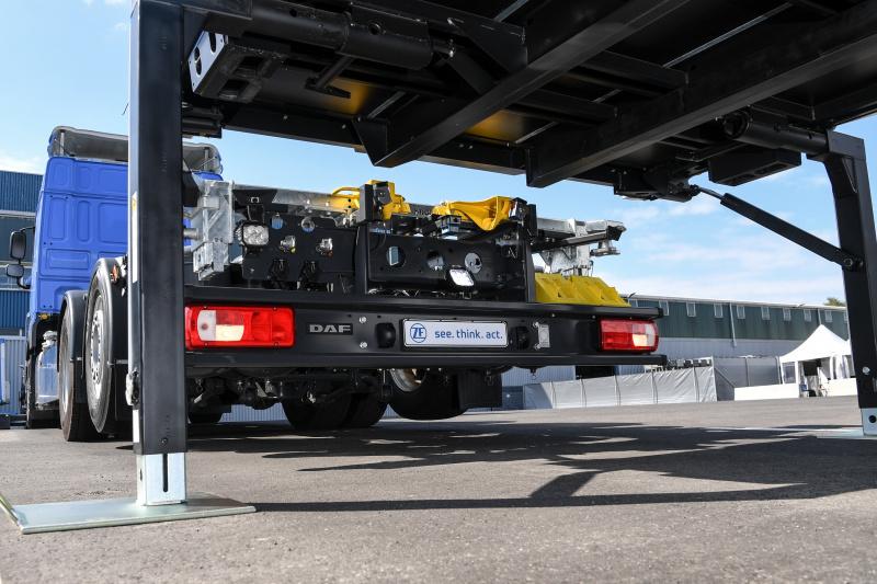 ZF-TD18_01-01_Innovation-Truck_Betriebsh