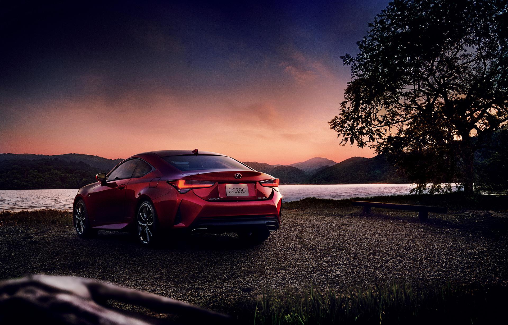 「【新車】レクサスRCがマイナーチェンジ。LC譲りのエレガントな外観と高い走行性能を獲得」の10枚目の画像