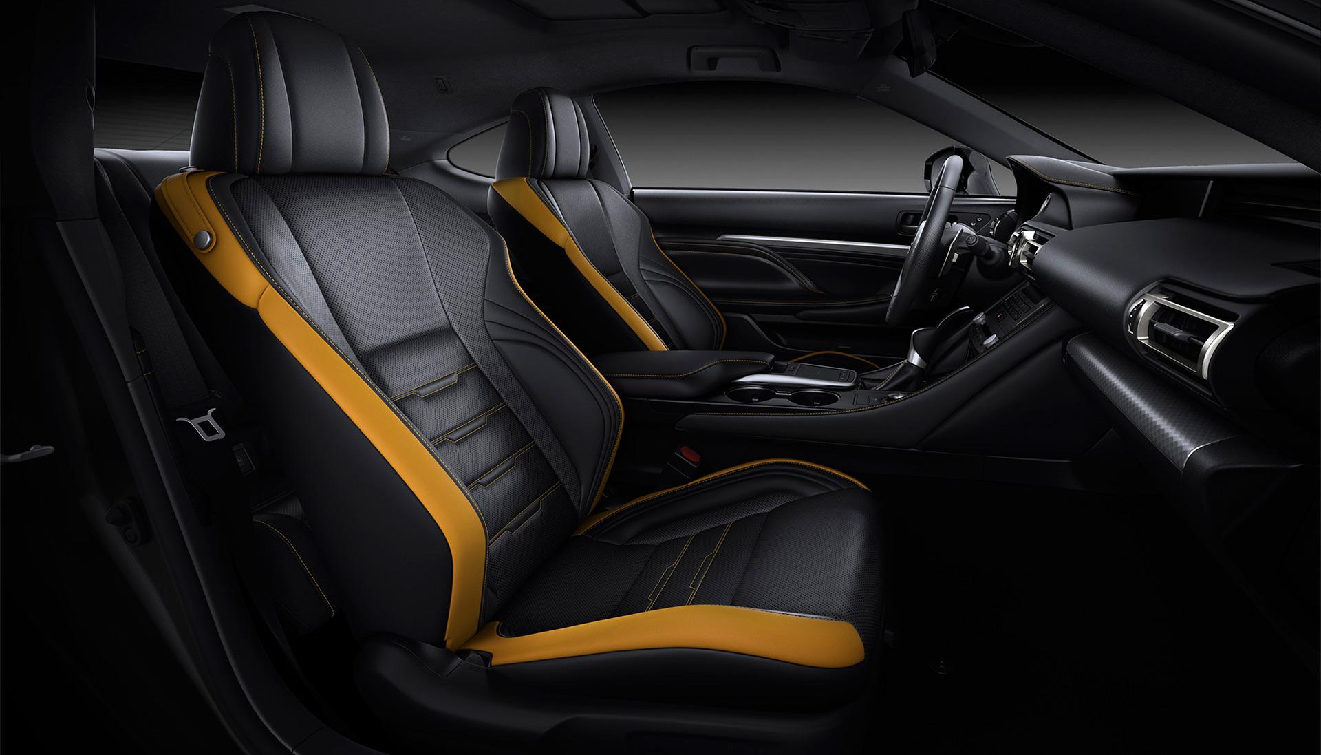 「【新車】レクサスRCがマイナーチェンジ。LC譲りのエレガントな外観と高い走行性能を獲得」の4枚目の画像