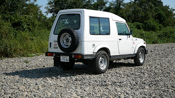 「新車のジムニー・ロング、現る! インド生産の「ジプシー」は2代目ジムニーそのものだった」の12枚目の画像