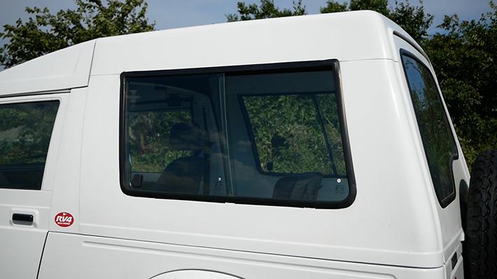 「新車のジムニー・ロング、現る! インド生産の「ジプシー」は2代目ジムニーそのものだった」の17枚目の画像