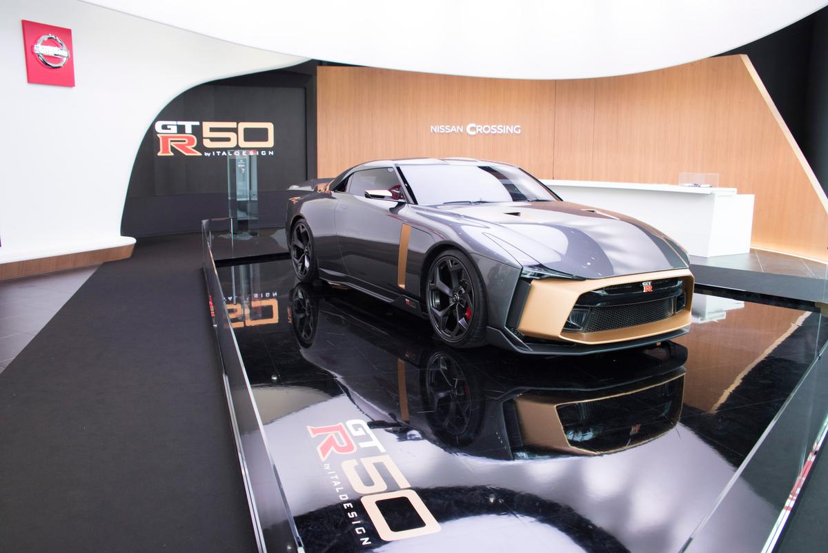 「1億円オーバーの国産車対決。スペシャルなGT-RとトヨタのGRスーパースポーツを比べてみたら……」の2枚目の画像