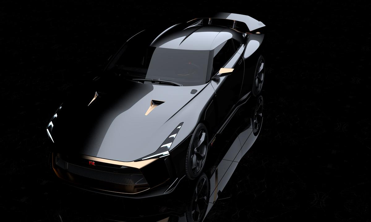「1億円オーバーの国産車対決。スペシャルなGT-RとトヨタのGRスーパースポーツを比べてみたら……」の1枚目の画像