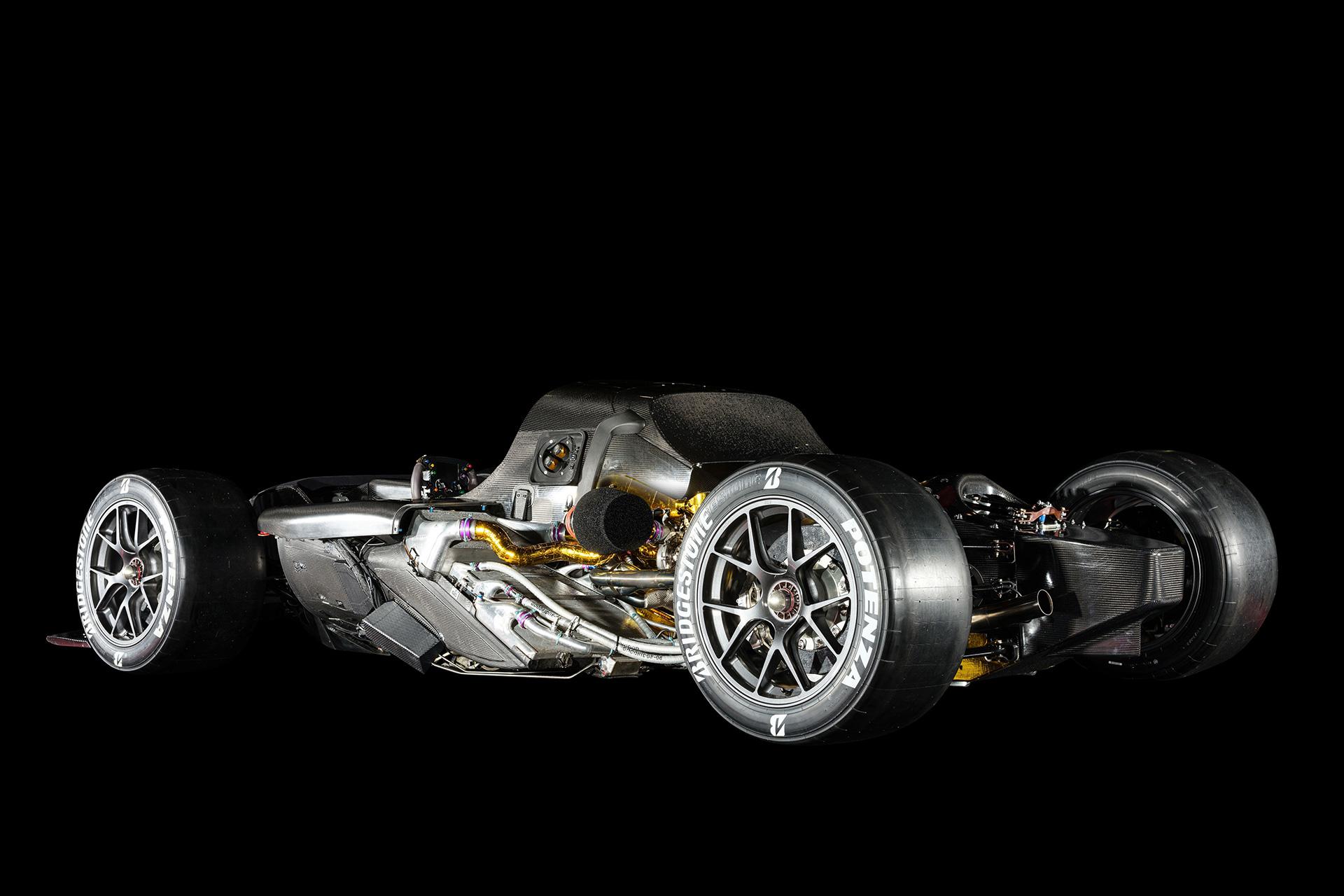 「1億円オーバーの国産車対決。スペシャルなGT-RとトヨタのGRスーパースポーツを比べてみたら……」の7枚目の画像