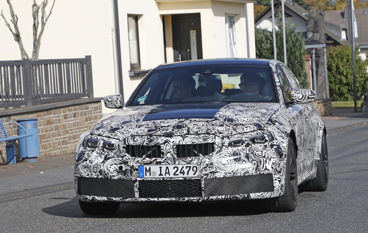 「新型BMW・M3市販型プロトタイプをついにスクープ!最高出力は500馬力へ」の1枚目の画像