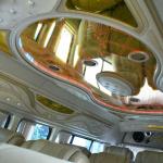 タイのハイエースが天井をデコる理由とは? 単なるデコレーションではなく意味があったことが判明 - DSC_3273