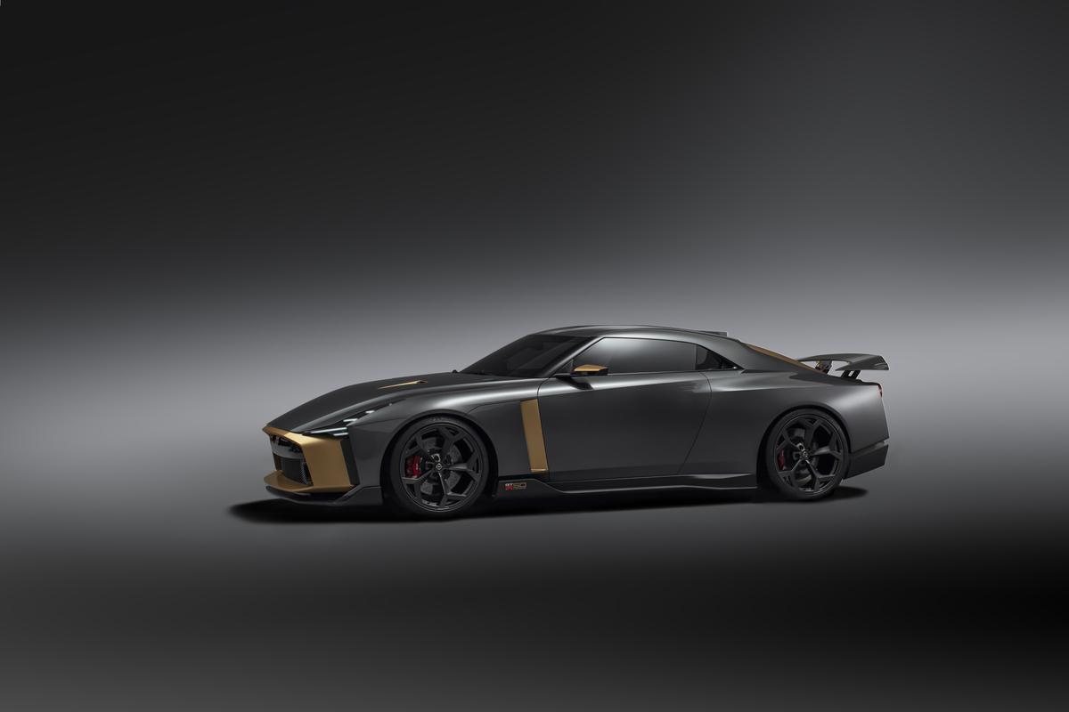 「1億円オーバーの国産車対決。スペシャルなGT-RとトヨタのGRスーパースポーツを比べてみたら……」の10枚目の画像