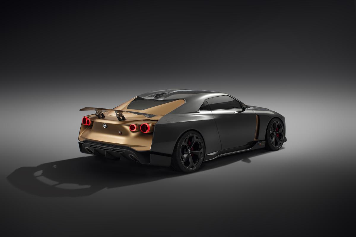「1億円オーバーの国産車対決。スペシャルなGT-RとトヨタのGRスーパースポーツを比べてみたら……」の12枚目の画像
