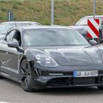 ポルシェ初のEV「タイカン」の開発が急ピッチで進む。市販型パーツを装着したプロトタイプをキャッチ! - Porsche Taycan 4