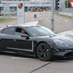 ポルシェ初のEV「タイカン」の開発が急ピッチで進む。市販型パーツを装着したプロトタイプをキャッチ! - Porsche Taycan 7