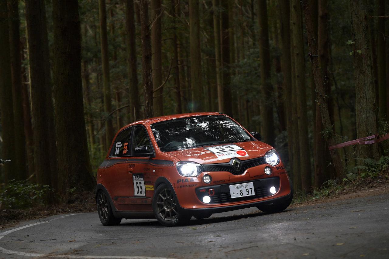 「ルノー・トゥインゴGTが全日本ラリー選手権の最終戦「新城ラリー2018」に初参戦」の1枚目の画像