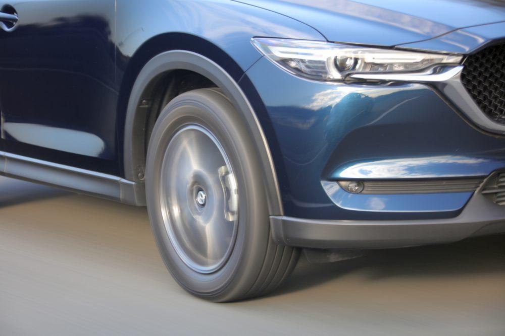 「雪国育ちの自動車ライターが愛車のSUVにオールシーズンタイヤを選んだわけは?」の1枚目の画像