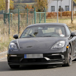 ポルシェ・718ケイマンに軽量モデル「T」が初設定へ! 開発車両をキャッチ - Porsche Cayman T 1