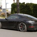 ポルシェ・718ケイマンに軽量モデル「T」が初設定へ! 開発車両をキャッチ - Porsche Cayman T 7