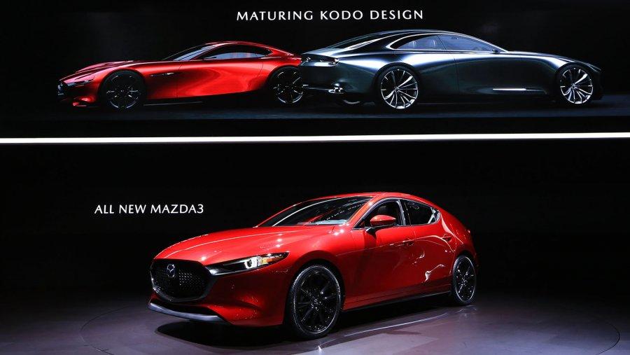 【東京オートサロン2019】新型mazda 3(アクセラ)を日本初公開。cx 8、cx 5、ロードスターの用品装着車
