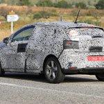 日産・GT-Rやリーフの技術を採用か? 新型ルノー・ルーテシアは160馬力の直4に注目 - Spy-Photo