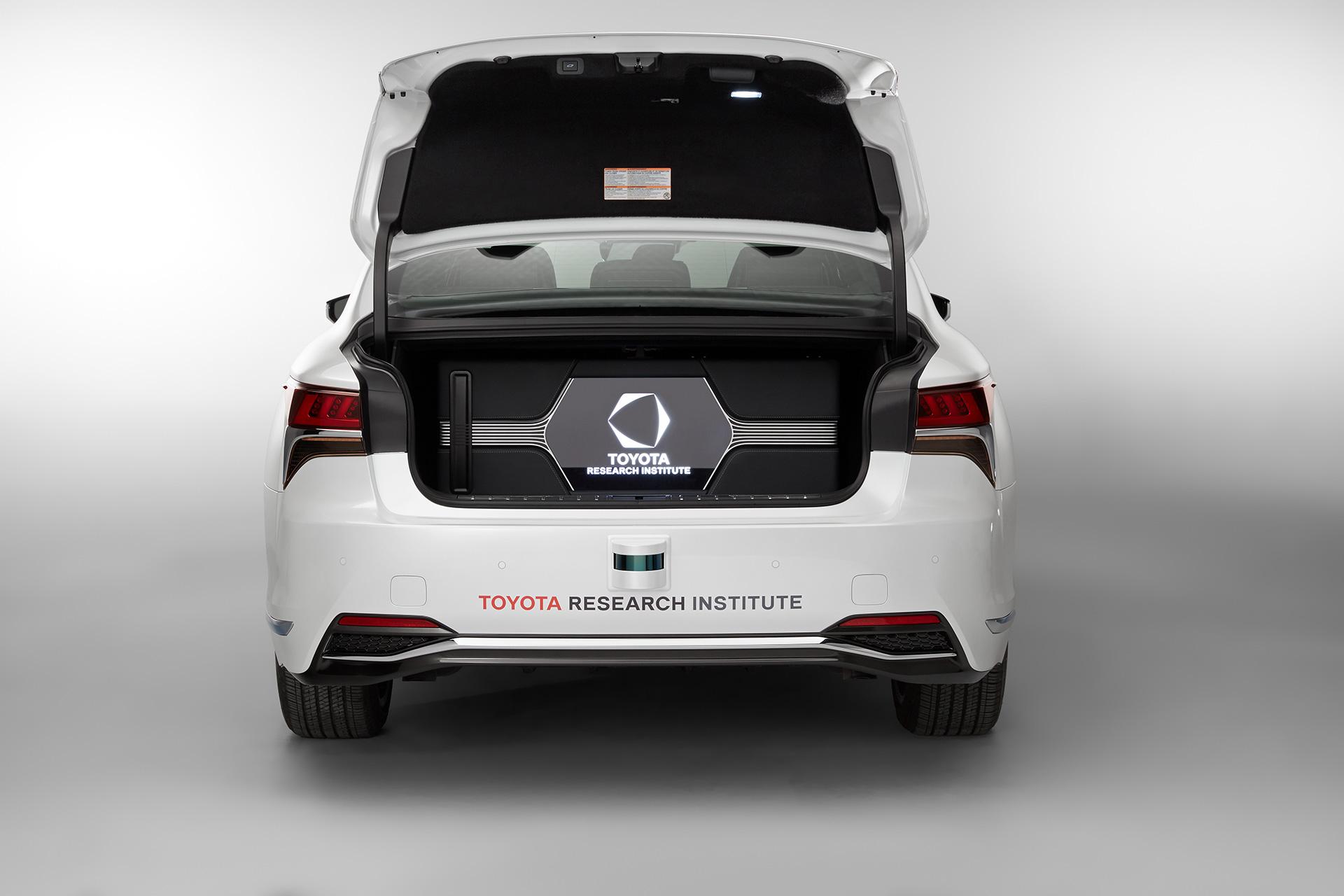 「【CES 2019】新型レクサスLSをベースとした自動運転実験車「TRI-P4」を披露」の11枚目の画像