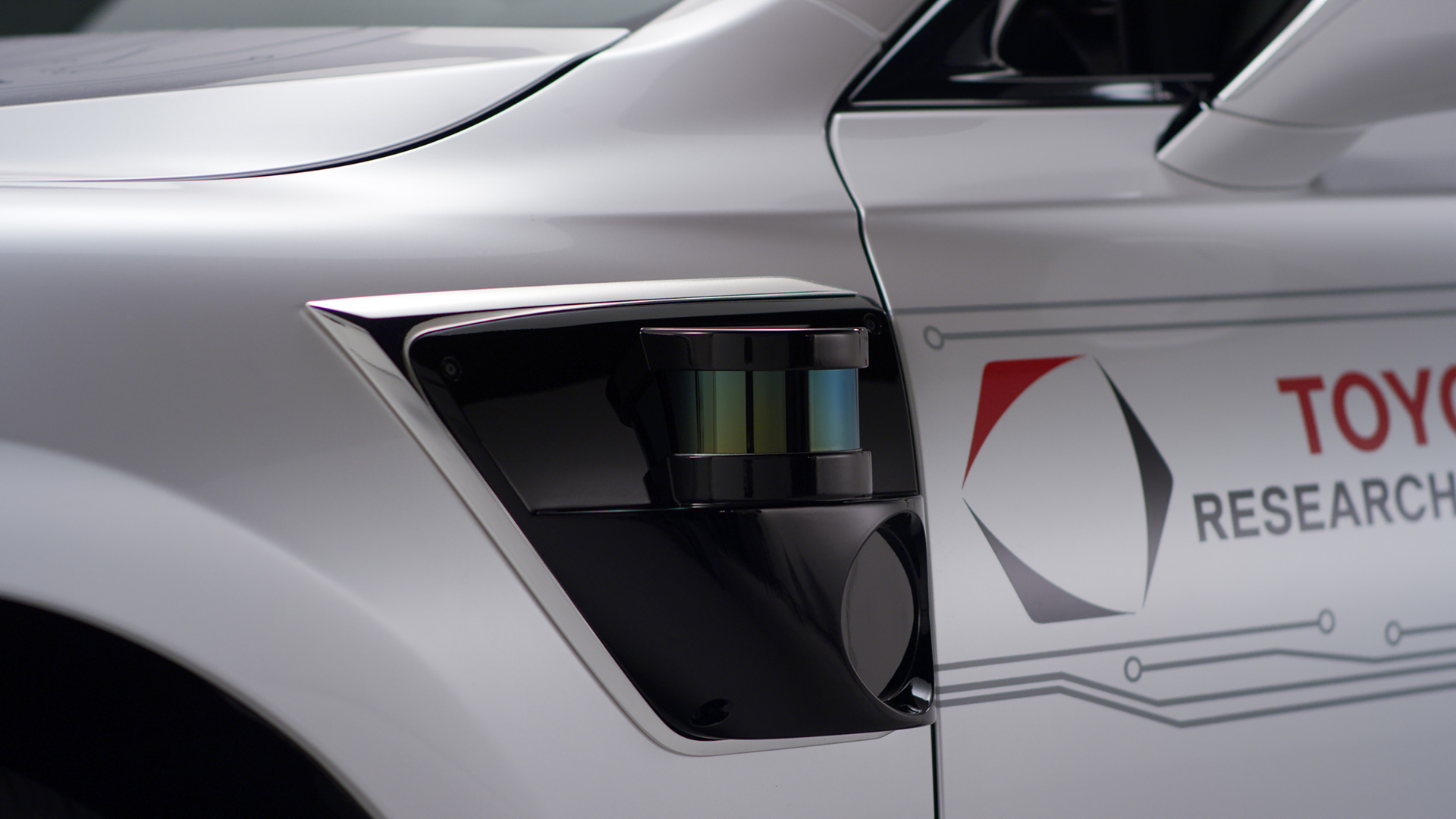 「【CES 2019】新型レクサスLSをベースとした自動運転実験車「TRI-P4」を披露」の3枚目の画像