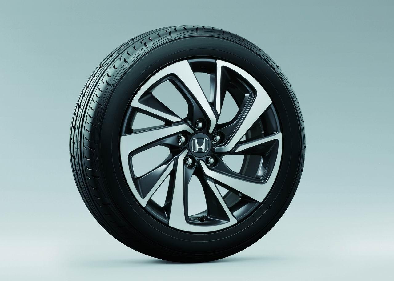 「【新車】ホンダ・ヴェゼルに1.5L VTECターボが登場。価格290万3040円の内容は?」の2枚目の画像