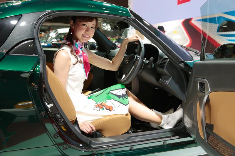「これは素敵!3人の美女とダイハツ話題のコンパクト【東京オートサロン2019美女めぐり その4】」の11枚目の画像