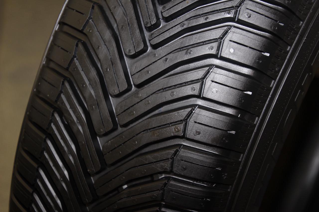 「オールシーズンタイヤではない!? 「雪も走れる夏タイヤ」。ミシュラン クロスクライメートが全国発売開始」の11枚目の画像