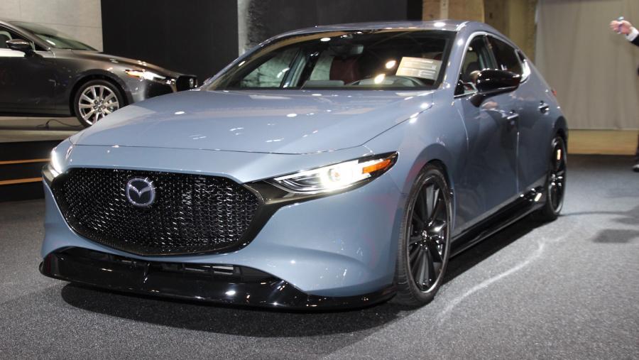 【東京オートサロン2019】日本初公開の「Mazda3」は2019年内発売!! 注目は北米仕様車の「Mazda3 CUSTOM STYLE」