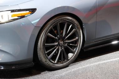 Mazda3_7-20190111114011-380x253.jpg