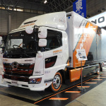 【東京オートサロン2019】日野自動車はガンダムのデザイナーとコラボ、トラックをモビルスーツ風に - TAS2019_DSCN0401