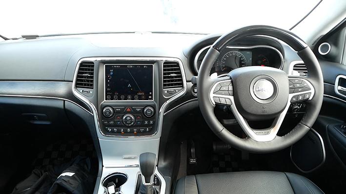 「【グランド チェロキー雪上試乗】ジープの最上級SUVはアメリカンなフィールで安心感もハイクラス」の11枚目の画像
